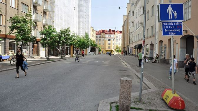 The hustle and bustle on Vaasankatu during a summer weekend. Photo courtesy of Yle.