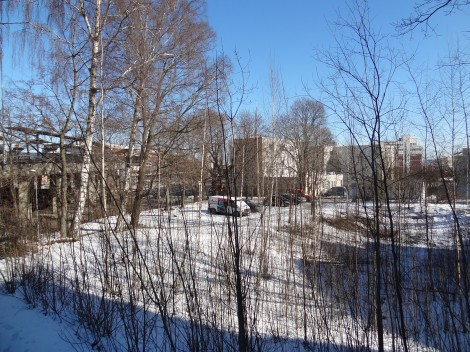 """A """"nice"""" """"park"""" in Malmi. You can see the station in the background."""