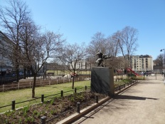 """The """"Arcus tendit Apollo"""" sculpure by Emil Cedercreutz in the """"classic park"""" corner behind the playgrounds."""