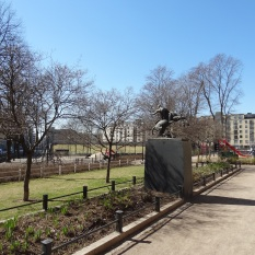 "The ""Arcus tendit Apollo"" sculpure by Emil Cedercreutz in the ""classic park"" corner behind the playgrounds."