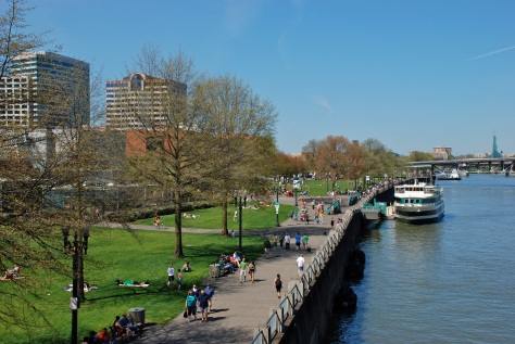 Tom McCall Waterfront Park, in Portland, Oregon, viewed from the Hawthorne Bridge. Photo by Steve Morgan/Wikimedia Commons.