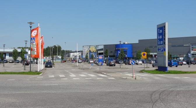 Finnish Mall Enthusiasts Add Little Value to Local Economies
