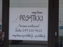 A dressmaker's shop in Roihupelto.