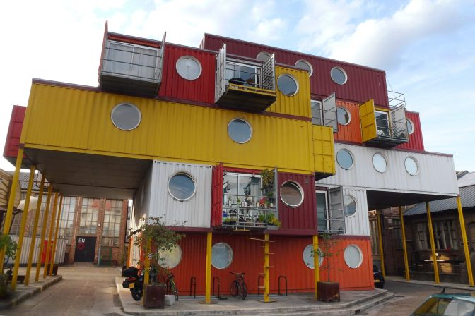 Container City 2 at Trinity Buoy Wharf, London. Image courtesy of Cmglee/Wikimedia Commons.