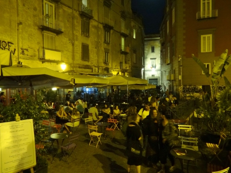 Piazza Bellini 1